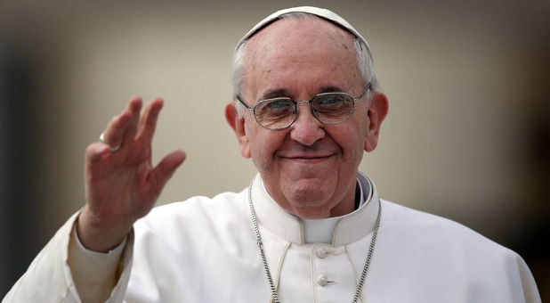 Pope-Francis-smiling-waving-Facebook